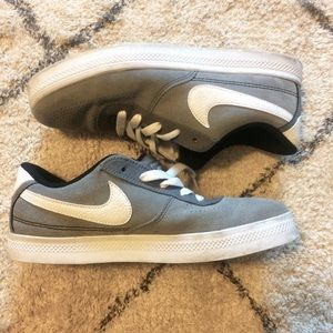 Grey Nike Pros | 8/8.5
